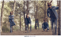 Band of Foxes (carlossadness) Tags: shop promo top band jeans foxes shinoflow