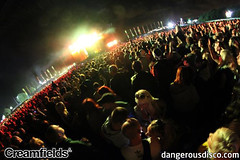 2011 Creamfields - Chemical Brothers Crowd (1) (dangerous_disco) Tags: creamfiedlsphotos creamfields creamfields2011 creamfields2011photos creamfields2011pictures creamfieldsphotos creamfieldspictures 2011visitliverpool rex150911 people enjoyment joy togetherness horizontal dancing crowd uk modern crowded night illuminated fun colourimage youthculture nightclub celebration largegroupofpeople photography discolights handraised nightlife clubbing artscultureandentertainment outdoors