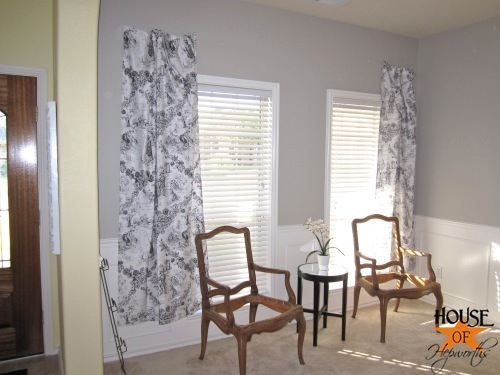 testing_black_white_curtains_piano_room_07