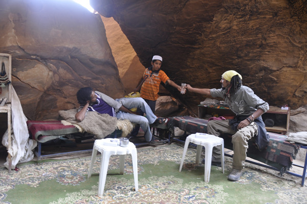 6098614718 9a1a8f11e6 z Bedouins of Petra