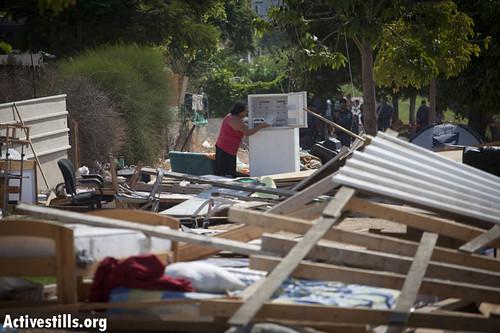Police demolished shacks in camp in Jesse Cohen neighborhood, Holon, 7/9/2011.