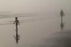 ingenuidad (Marga Zambrano) Tags: niebla bruma cdgexplorer