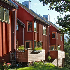 Lvekulle III (hansn (2 Million Views)) Tags: red architecture modern square europa europe sweden contemporary architect alingss sverige brf arkitektur falurd rd lvekulle squarish arkitekt alingsas glantz bostadsrttsfrening glantzarkitektstudio tenantownerssociety