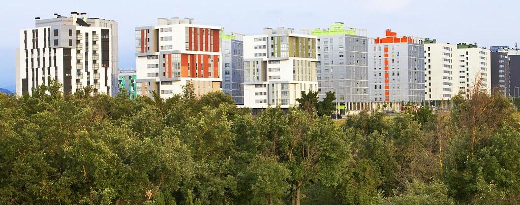 En los nuevos barrios, naturaleza y urbanismo se fusionan en armonía.