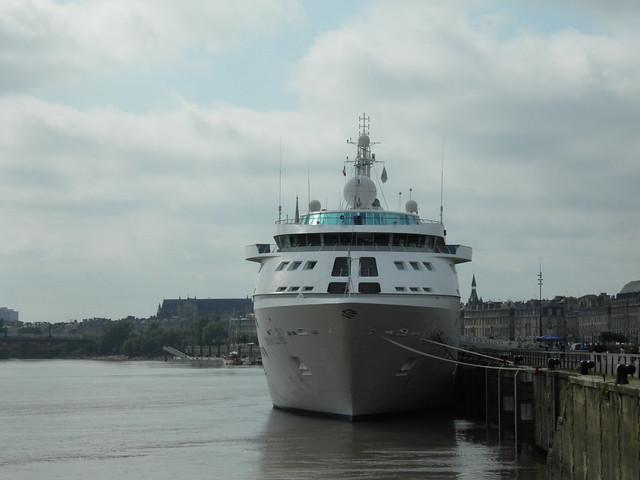 Ship Bow - Silver Cloud - Bordeaux - P9100132