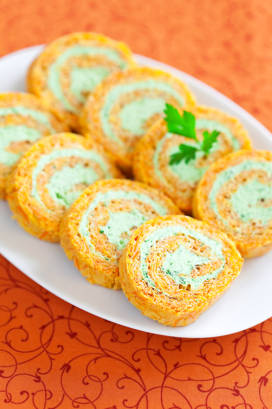 Carrots and cream cheese roll
