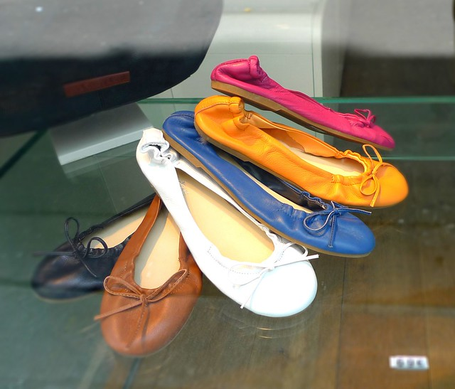 Paris-Yellow mellow shoes 13 rue des cannettes 75006