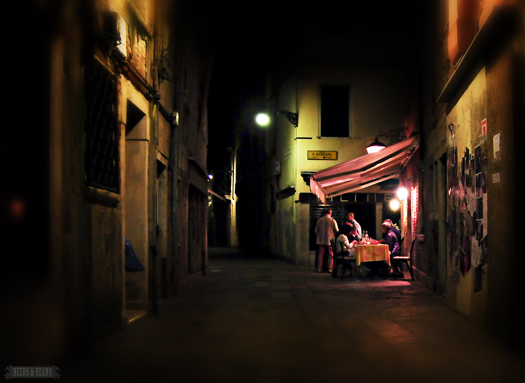 6030792125 0dedd04c32 b Venice After Dark   A Photo Essay