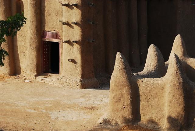 MALI : détail de la grande mosquée de Djenné