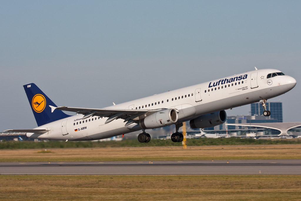 Lufthansa - D-AIRW - Airbus A321-131