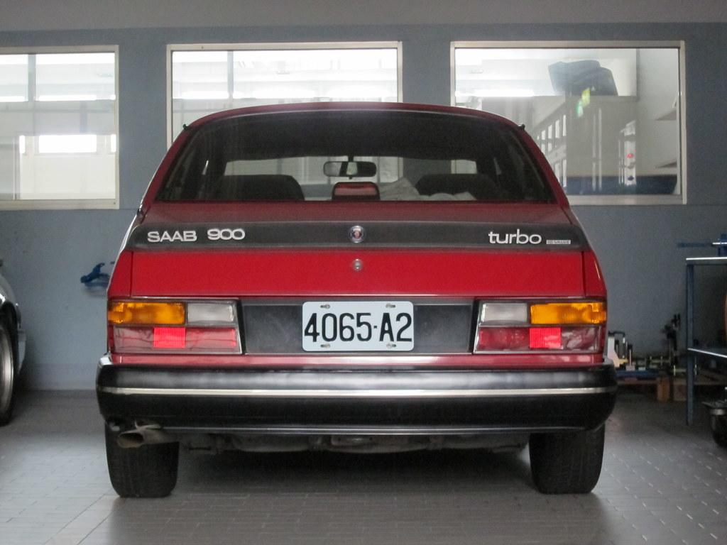 SAAB 900 Turbo 16v 5MT (1985)