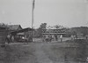 Aanleg van het spoor (Stichting Surinaams Museum) Tags: suriname aanleg spoor spoorbaan arbeiders woningen