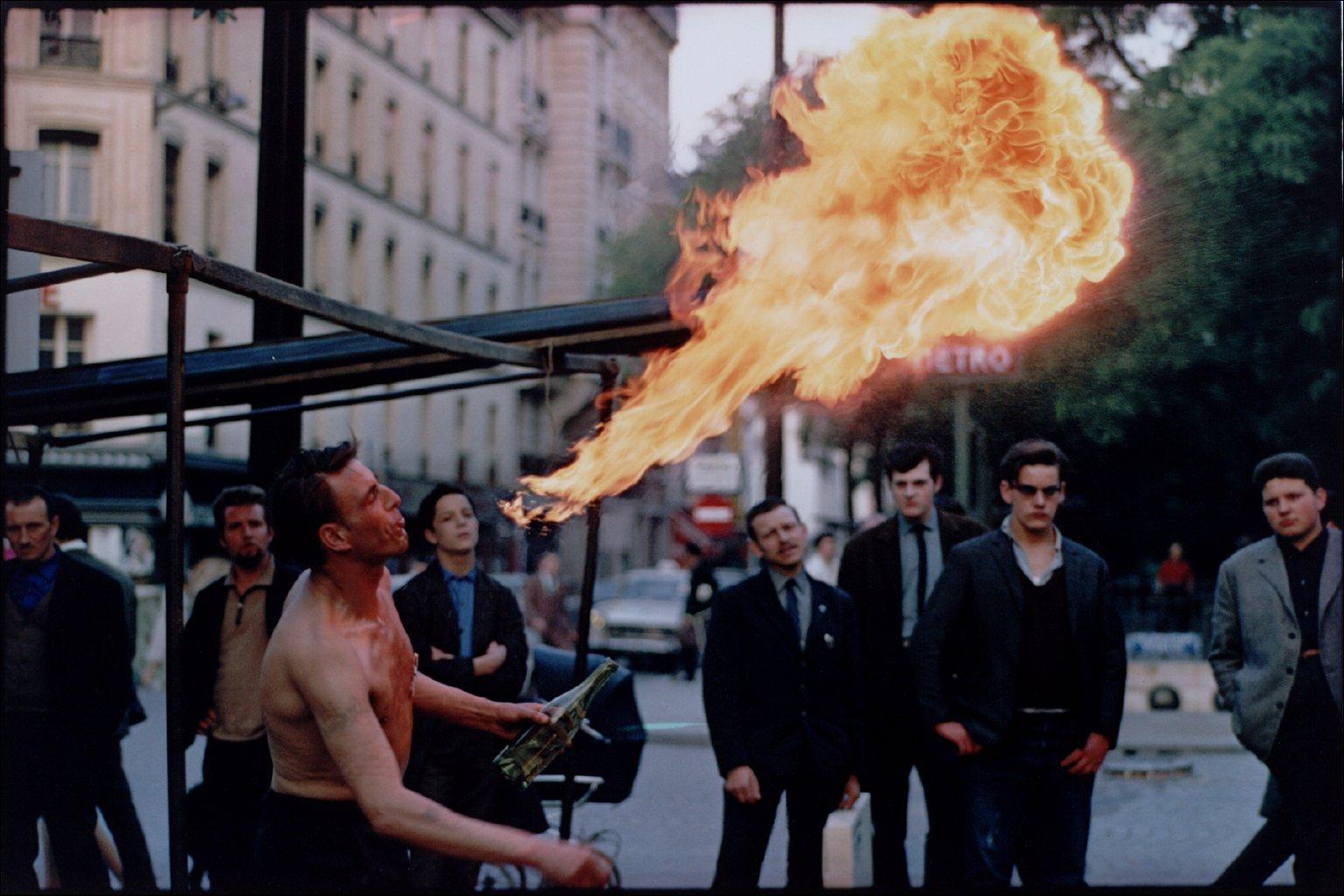 Joel-Meyerowitz-Street-Buskar-published-1981-painting-artwork-print