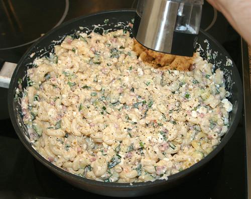 27 - Mit Salz und Pfeffer abschmecken