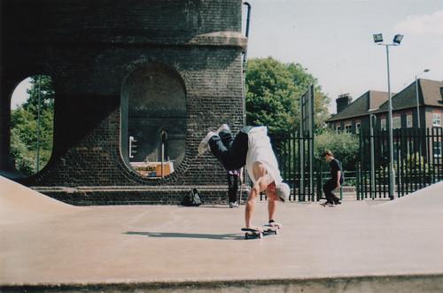 Tomas Foltin - Handstand @ Wycombe Skatepark
