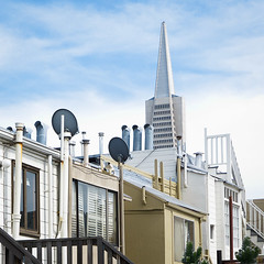 San Francisco Rooftop (Chicken) Tags: sanfrancisco california city roof urban usa rooftop skyline buildings square many transamerica clutter transamericapyramid vents satellitedishes