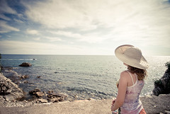 (Djordje Petrovic) Tags: woman color hat photo retro romantic montenegro budva nikond80  djordjepetrovic