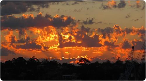 20110904_sunsetbeams