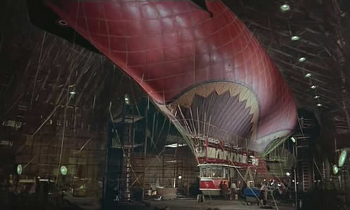 ballon dirigeable disney