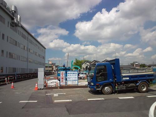 蕨市錦町雨水管渠築造工事23-1工区 工事が始まりました。
