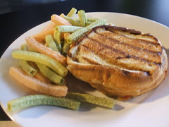 Ham, turkey and cheese with veggie crisps