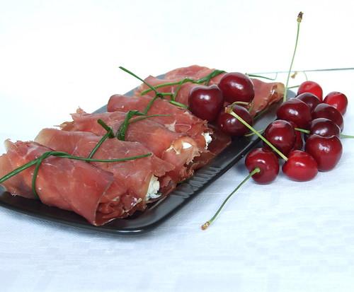 involtini di bresaola e ciliegie1