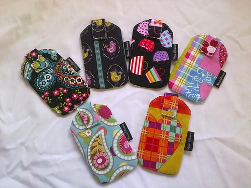 Porta telemóveis ou IPOD by ♥Linhas Arrojadas Atelier de costura♥Sonyaxana