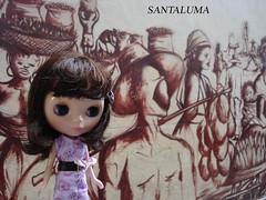 Tabatha apreciando o mural da Travessa do Comércio!!