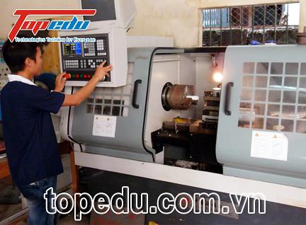 Đào tạo lập trình vận hành máy CNC