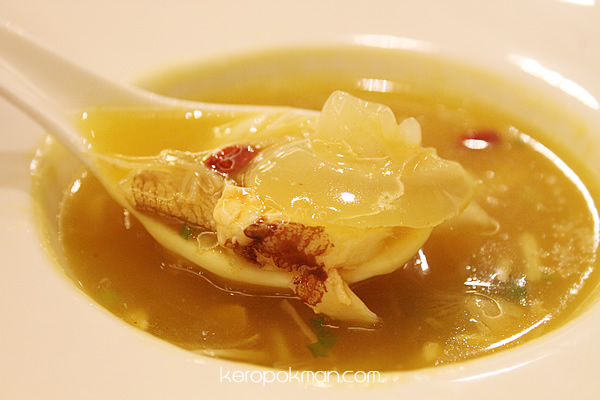 Braised Shark's Fin with Crabmeat & Dried Scallop in Pumpkin Soup