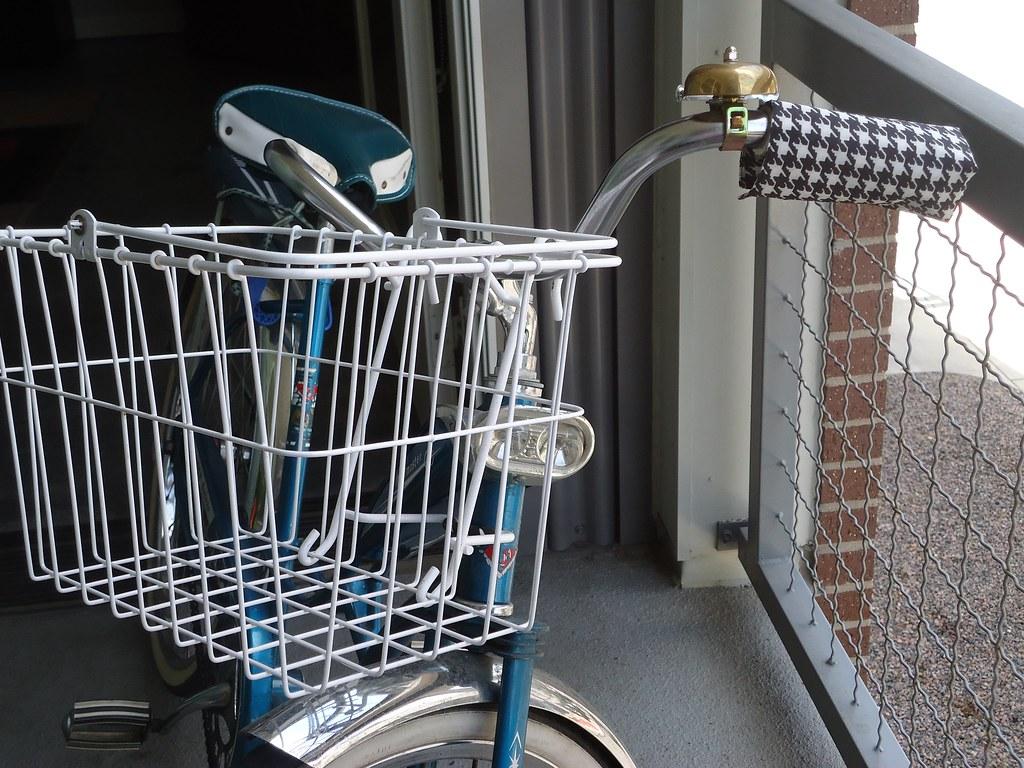 Vintage cruiser bike for sale (ladies').