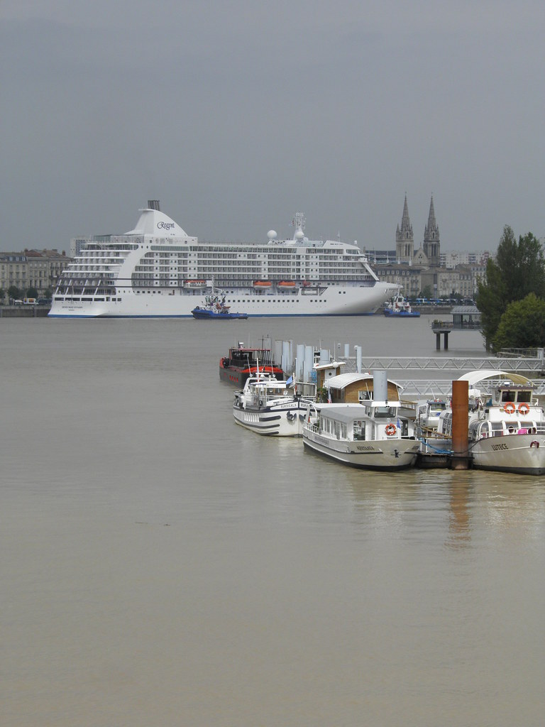 Seven Seas Voyager, RM Thomas & RM Medoc - Bordeaux - P8220074