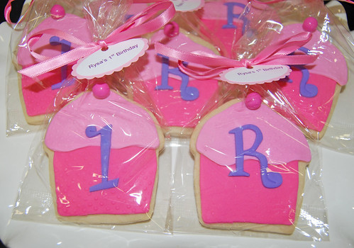 1st birthday monogram cupcake sugar cookies 1 and R