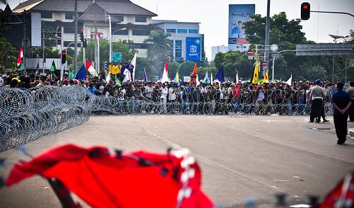 Satu Tahun Kinerja Pemerintahan Sby-Boediono-19