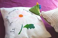 gallinita en la cama (Gusanitos de Queso juegos y juguetes didacticos y) Tags: amadora agarradera proyectosocial economíasolidaria