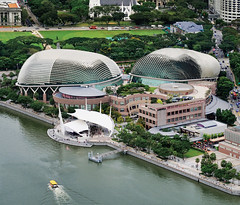 The Esplanade – Theatres on the Bay, Singapore (williamcho) Tags: city copyright architecture modern shopping boat singapore niceshot theatre © malls entertainment esplanade stitching civicdistrict allrightsreserved attractions d300 marinabay theatresonthebay flickraward flickrestrellas nikonflickraward topazlabadjust williamcho