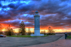Kiama Lighthouse (Tintinara) Tags: lighthouse sundown kiama