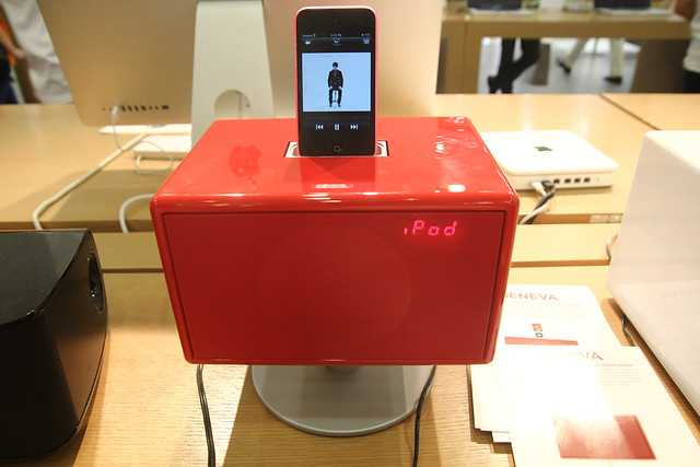 Stylist iPod Dock Designer's Speaker For Your Home With Geneva