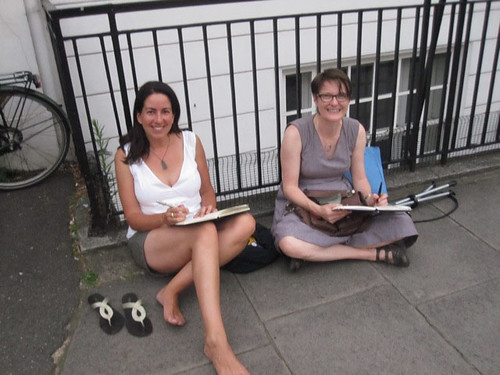 Lizzie and Issy sketching in London