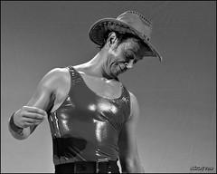 Cascai Teatre (10) (ADRIANGV2009) Tags: mostra valencia teatro 50mm nikon cara internacional mimo adrian sombrero rostro teatre mim barret gesto d90 sueca cascai photscape abelguarinos adriangv2009 cascaiteatre