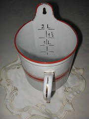 Red & White Enamel French Enema Can Irrigator Up (Lombardarella) Tags: red white home female vintage french bathroom mujer bath arte feminine goma can ducha museo medicina intimate canister brocante antiguo douche medicinal intimacy spuit kan delicacy perilla canula artistico femenino calidad enamel enema intimidad manguera unico spritze exquisito irrigator lavagem incomparable higienico irrigacion klistier klistierspritze esmaltado lavativa poca galvanizado irrigador kannetje klisteer klisteerspuit
