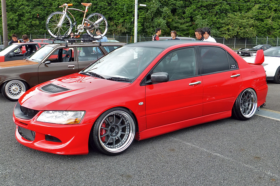 EVO 8 Slammed submited images | Pic2Fly