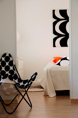 Black and white with a splash of colour (danne_vaasa) Tags: home suomi finland design interior interiordesign marimekko koti vaasa vasa hem sisustus inredning batchair lepakkotuoli