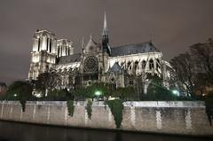 Notre Dame (elosoenpersona) Tags: paris france church night long exposure cit gothic le nocturna notre dame nocturne cite elosoenpersona