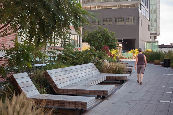 Seating on the High Line