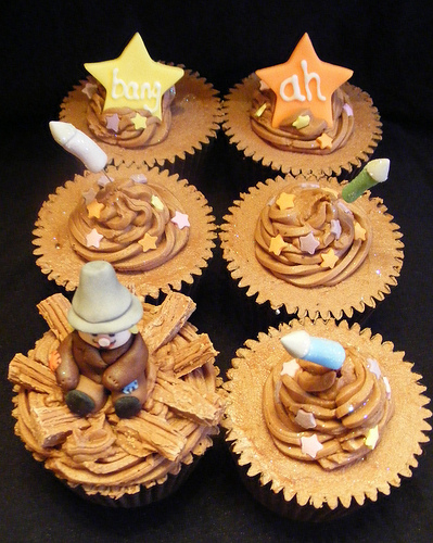 6271010993 981694cfc5 Bonfire Night   Guy Fawkes   Fireworks Night   5th of November Cupcakes