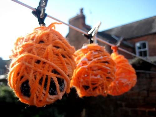 halloween messy play pumpkin craft