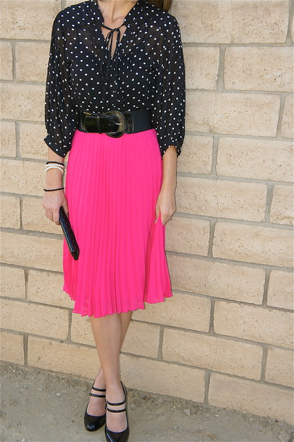 H&M hot pink pleated skirt
