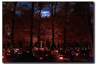 Abends auf dem Friedhof