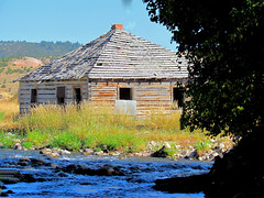 Creek House (RootsRunDeep) Tags: house mountains abandoned creek big homestead wyoming horn tensleep